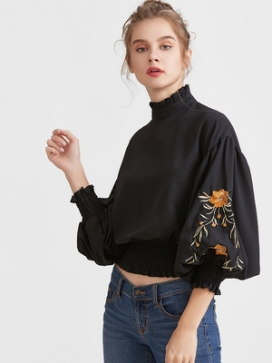 2017 Fashionable black embroidered blouses for women